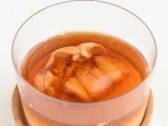 三位一体の味わい『甘い人参のスプーマ 生ウニとコンソメのゼラティーナ』