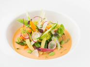 野菜の生命力を強く感じられるフレッシュサラダ『季節の野菜』
