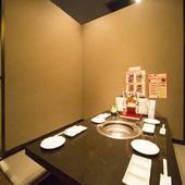 ゆったりと落ち着いて食事ができる、韓国風の個室