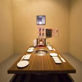 自分たちだけの空間で思う存分盛り上がれる、韓国風の個室