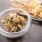 生麺の魅力を生かした『アサリとミョウガ 冷製タリオリーニ』