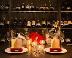 2人の大切な聖夜を彩る極のクリスマス特別ディナー。豪華晩餐はいかがですか?12/24~25限定、2部制。