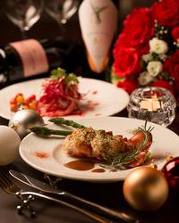 2人の大切な聖夜を彩る極のクリスマス特別ディナー。素晴らしい晩餐はいかがですか?12/24~25限定、2部制