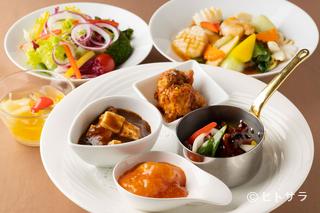 ランデブーラウンジ 【ニューオータニイン札幌】の料理・店内の画像1