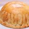 3種類から選べるパイ生地が美味しい『ハットピザ』