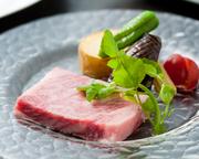 壱岐牛のA4・A5ランクのみ使用してます。 鹿児島から取り寄せた岩塩でお召し上がりください。