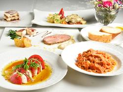 特別な日にふさわしい華やかな料理の数々。特別な時間を美しく彩ります