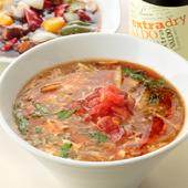 もちもち食感の麺と醤油ベースのスープが美味『酸辣湯麺 醤油』