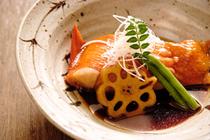 全8~9種。旬の味わいと料理人の技を存分に満喫できる贅沢なコース『雅コース』
