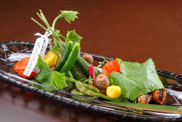 祇園祭で華やぐ古都の夏を、彩り豊かに表現した7月の『八寸』