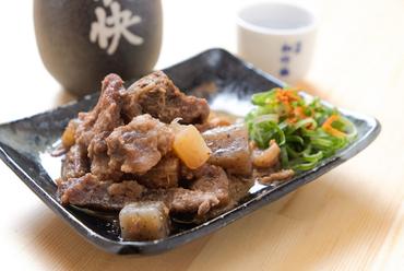 牛すじの中まで味がしみ込んだ『大阪名物どて焼き』