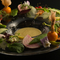 多彩な旬の野菜が味わえる『農園直送カニミソバーニャカウダー』