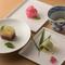 食後の〆に鮨店では珍しい「季節の和菓子」を味わいいただけます