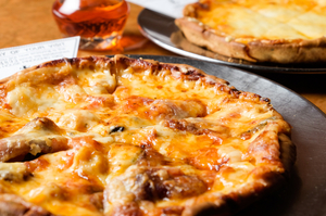 クリスピーな食感を楽しむ『ジェペットピザ』