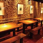 【12席】オープンキッチン正面、14名迄お使い頂けるテーブル席
