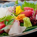 日本酒と一緒に注文したい『お造り』の盛り合わせは、1人前から可能です。品数や量など、なるべくこちらの要望に応えてくださるそうです。※写真は2人前になります。