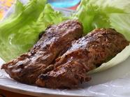 柔らかお肉をシャキシャキのレタスと共に『軟骨トロトロレタス包み』