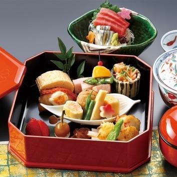 お造りや治部椀、旬の食材を使用した加賀料理全7品~千成コース