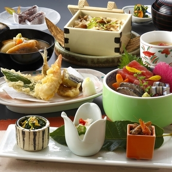 先付・煮物・焼物など季節の懐石コース全7品~百成~