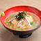 香り豊かな出汁と新鮮な鯛の味わいが絶妙の『鯛の胡麻茶漬け』