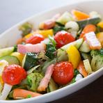 時期によっては自家栽培のものが入るこだわりの新鮮野菜