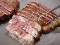 こだわりぬいた和牛の旨味を、じっくり味わう『黒毛和牛ステーキ』