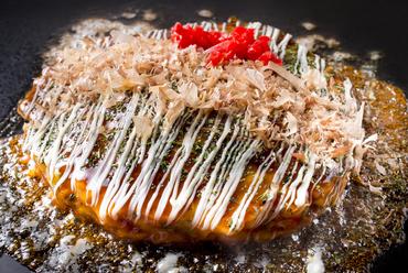 カリカリに焼き上げた豚肉が美味『お好み焼き 豚玉』