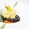 華やかな野菜畑が広がる『カリフラワーのムースと乾燥オリーブ いろいろなお野菜と一緒に』
