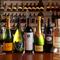 ワインセラーに眠る100種類を超すプレミアムワイン