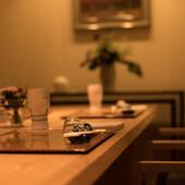 和の情緒が漂う落ち着いた雰囲気の中、ゆったりと会席料理を