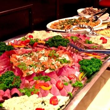 大皿料理のカジュアル宴会プラン
