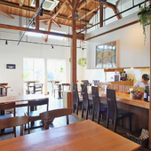ギャラリーが併設されているカフェ
