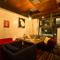 半個室のソファー席や個室席を用意。ゆったりとお食事を楽しめる