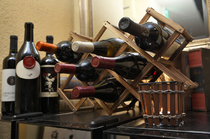 ワインセラーには国内外の厳選ワインがずらり