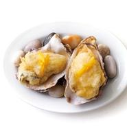 人気NO.1のウニと牡蠣醤油の焼き牡蠣です。