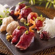 馬肉ならではの食感が楽しめる【馬肉の極上握り寿司】