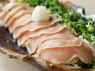 岩手県内の契約農場から仕入れる「みちのく清流鶏」