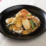 ジューシーな肉汁溢れる『鶏とカシューナッツの唐辛子炒め』