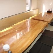10月に改装をして、個室を完備致しました!お客様に人気の高いゆっくりと寛げる空間です。2名様~35名様までご利用いただけますので、各種ご会食、ご宴会などにも最適です!