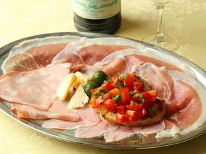 イタリア風前菜の盛り合わせ