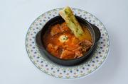 鶏と生ハムでコクを出した、スペイン・カスティーリャを代表するニンニクと卵のスープ カリカリとトロトロのパンの食感をお楽しみください