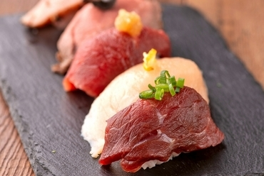 超ロング!馬肉ロングユッケ寿司馬肉ロングユッケ寿司