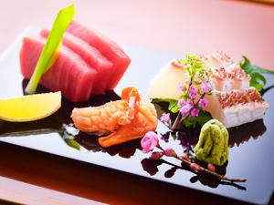 瀬戸内海で獲れた鮮魚使用の『お刺身三種盛り』