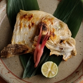 天然鯛のおいしさが染み入る焼き物『白甘鯛の塩焼き』