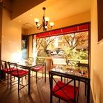 ゆとりある空間で食す料理とワイン。のんびりとした時間を満喫