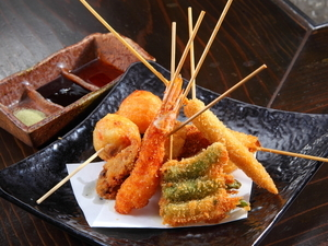 旨いでぇ! 秘伝ソースで味わう大阪のソウルフード『串揚げ』