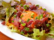 熊本県産の新鮮な馬肉を堪能できる『馬ユッケ』