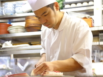 旬の鮮魚に伝統野菜。食材にこだわるからこそ管理を徹底