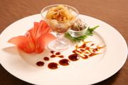 大連クラゲを中国黒酢で風味豊かに仕上げた一品。