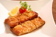 中国風トーストを明太子マヨネーズソースで香ばしく焼き上げた一品。